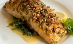 Salmon Bake with Pecan Crunch